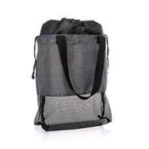 Thirty One Mesh Mix Cinch Bag  NWOT